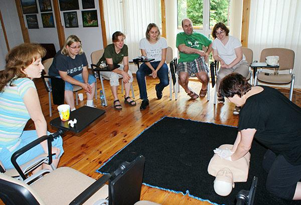 szkolenia z pierwszej pomocy ćwiczenia na fantomie